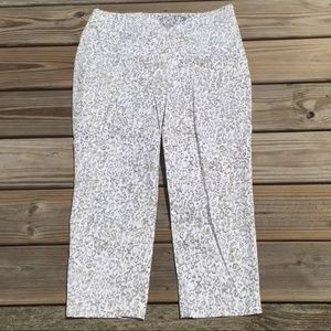Chico's Snow Leopard Print Stretch Cropped pants